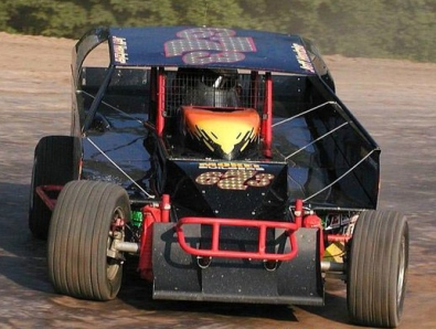 Jeff pilots the Sparts Trucking 673 at the Rolling Wheels Raceway.